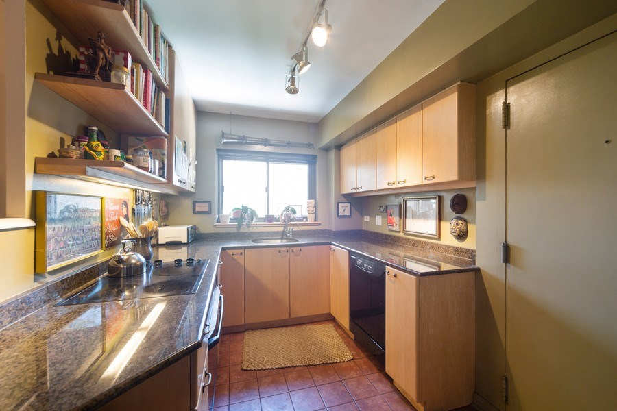 Real Estate Photography - 1350 N. Astor St., #6A, Chicago, IL, 60610 - Kitchen