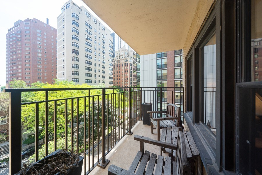 Real Estate Photography - 1350 N. Astor St., #6A, Chicago, IL, 60610 - Deck