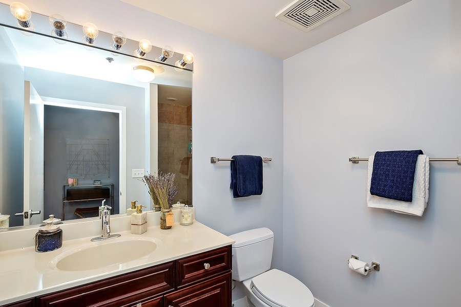 Real Estate Photography - 740 W Fulton, 1309, Chicago, IL, 60661 - Bathroom