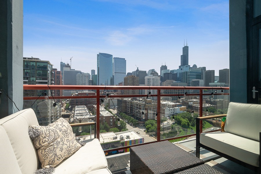 Real Estate Photography - 740 W Fulton, 1309, Chicago, IL, 60661 - Balcony