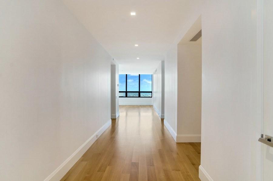 Real Estate Photography - 180 E Pearson St, 5207, Chicago, IL, 60611 - Hallway