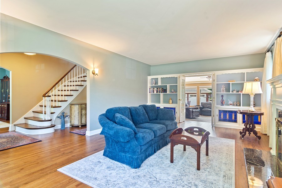 Real Estate Photography - 737 N Elmore, Park Ridge, IL, 60068 - Living Room