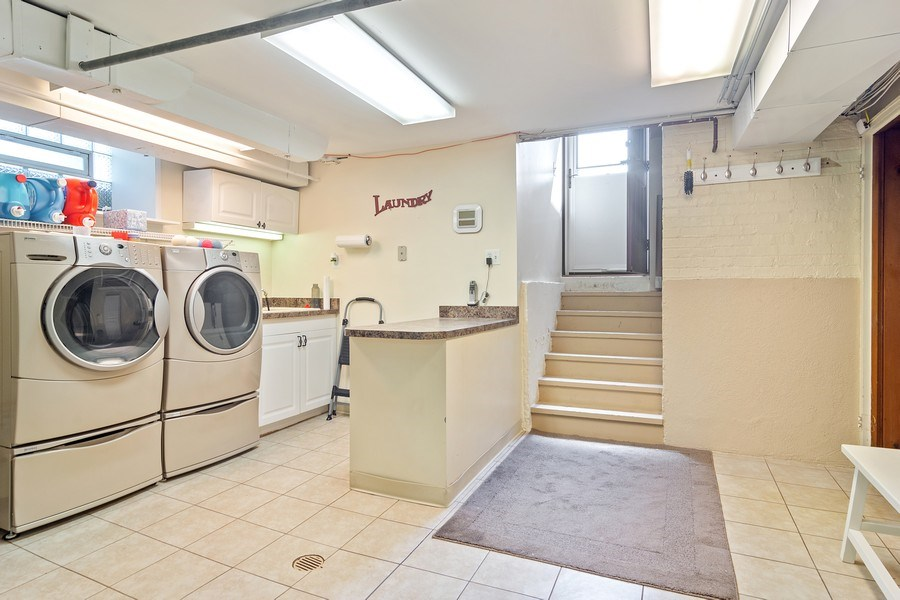 Real Estate Photography - 737 N Elmore, Park Ridge, IL, 60068 - Laundry Room