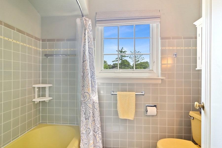 Real Estate Photography - 737 N Elmore, Park Ridge, IL, 60068 - Bathroom