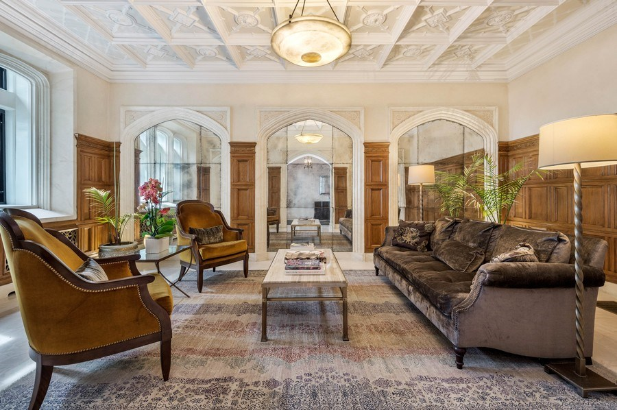 Real Estate Photography - 1430 N Lakeshore Dr, Apt 10, Chicago, IL, 60610 - Lobby