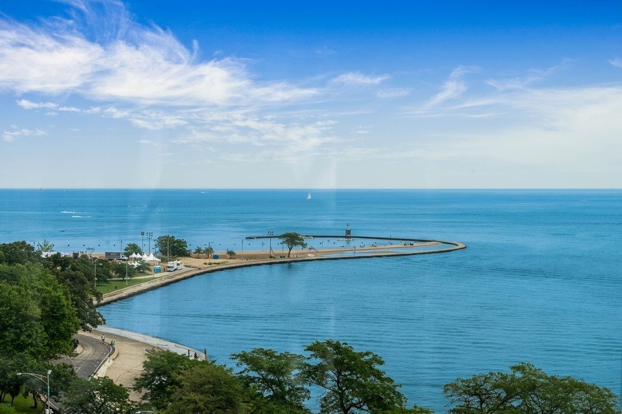 Real Estate Photography - 1430 N Lakeshore Dr, Apt 10, Chicago, IL, 60610 - Lake View