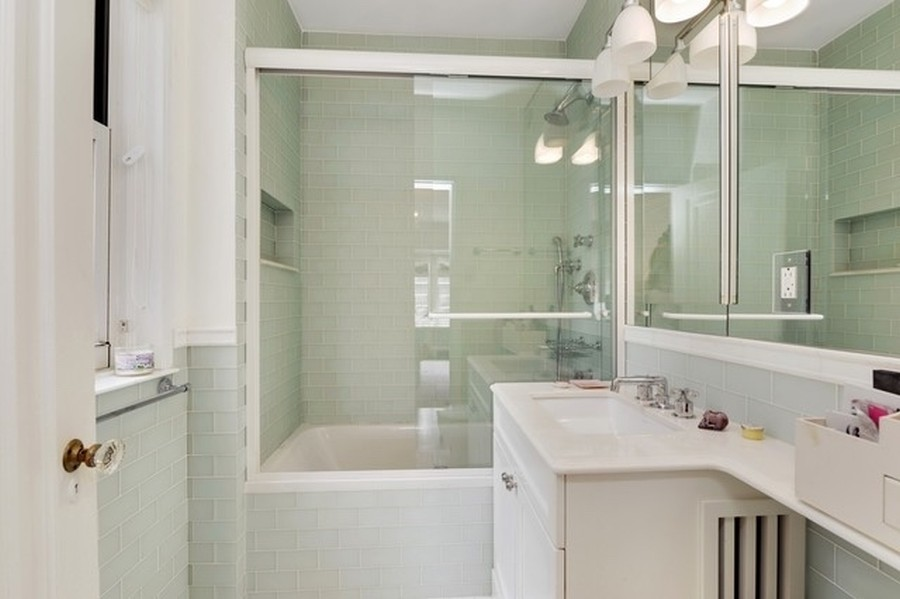 Real Estate Photography - 1430 N Lakeshore Dr, Apt 10, Chicago, IL, 60610 - Bathroom