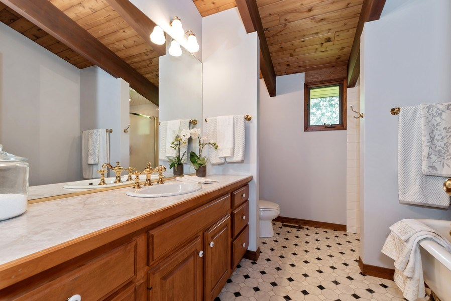 Real Estate Photography - 10711 Bull Valley Road, Bull Valley, IL, 60098 - Master Bathroom