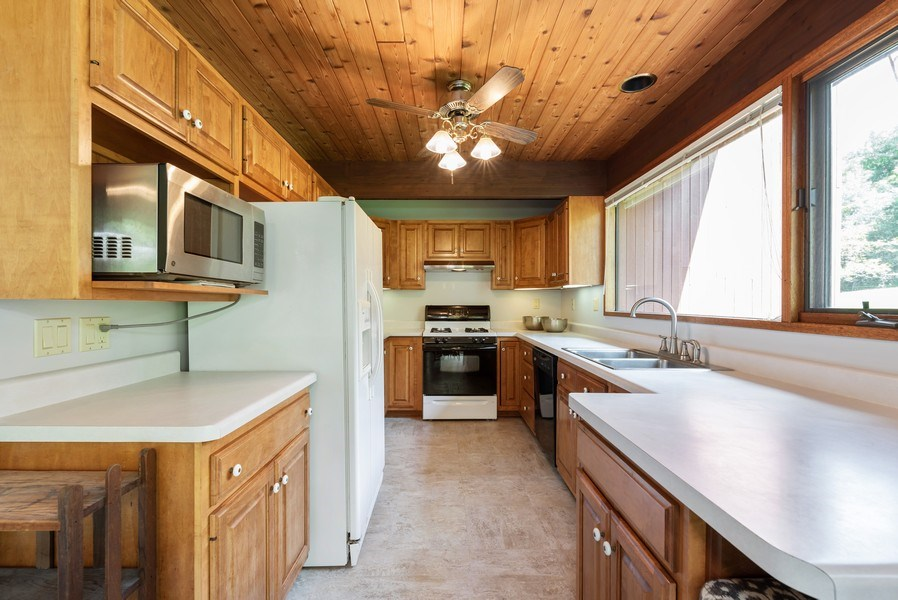 Real Estate Photography - 10711 Bull Valley Road, Bull Valley, IL, 60098 - Kitchen