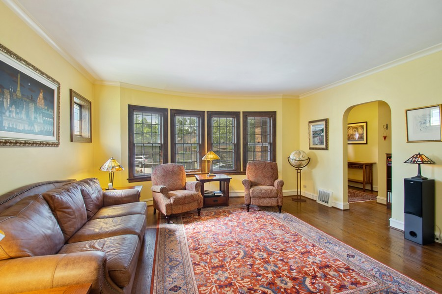 Real Estate Photography - 7756 W North Shore Ave, Chicago, IL, 60631 - Foyer/Living Room