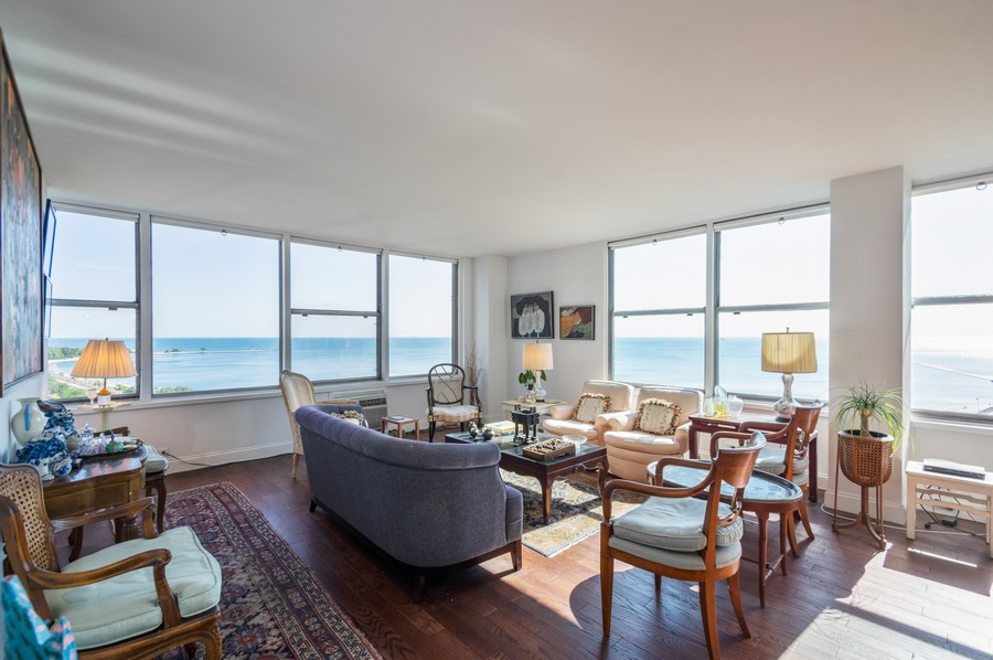 Real Estate Photography - 1000 Lake Shore Dr, Unit 1508, Chicago, IL, 60610 - Living Room