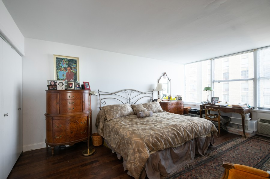 Real Estate Photography - 1000 Lake Shore Dr, Unit 1508, Chicago, IL, 60610 - Master Bedroom