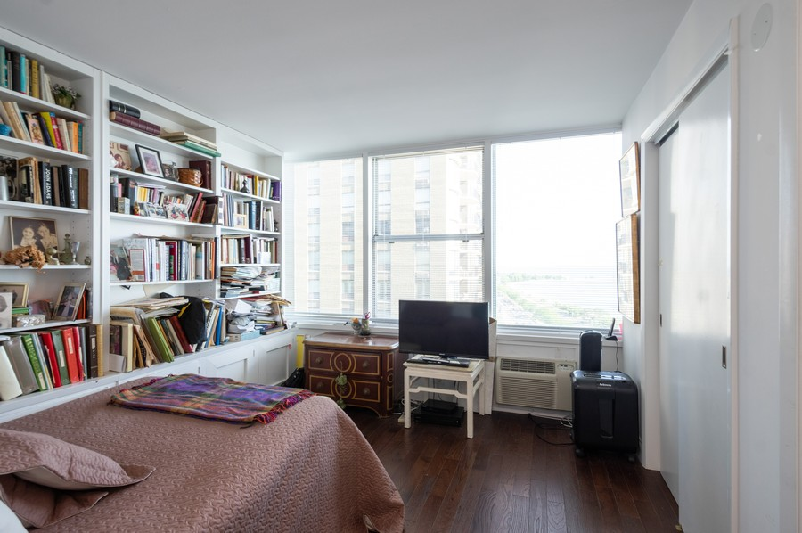 Real Estate Photography - 1000 Lake Shore Dr, Unit 1508, Chicago, IL, 60610 - 2nd Bedroom