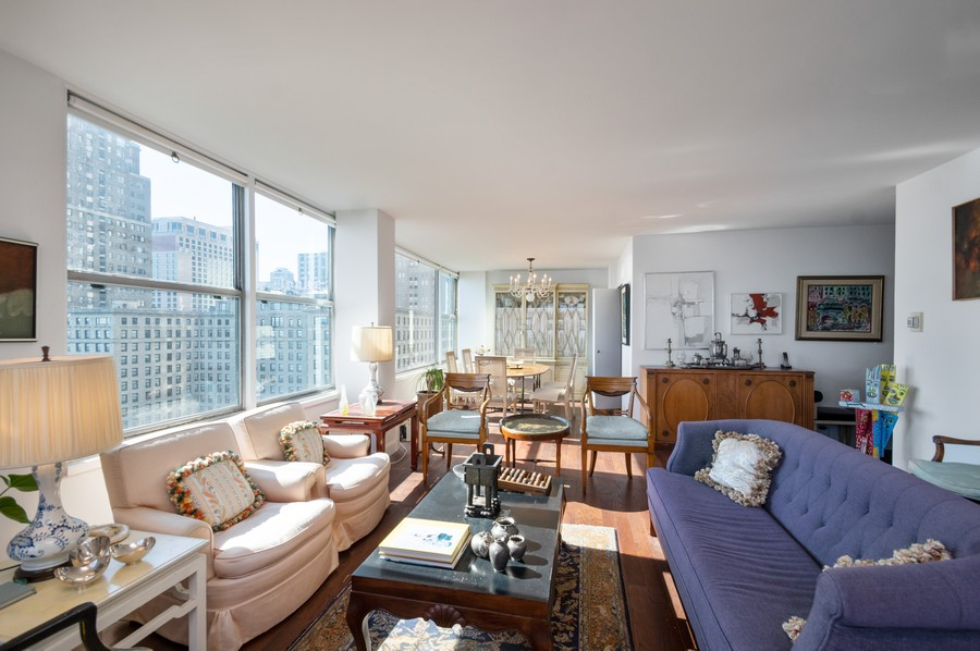 Real Estate Photography - 1000 Lake Shore Dr, Unit 1508, Chicago, IL, 60610 - Living Room / Dining Room