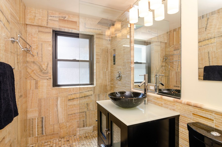 Real Estate Photography - 1350 N. Astor St. #10B, Chicago, IL, 60611 - Master Bathroom