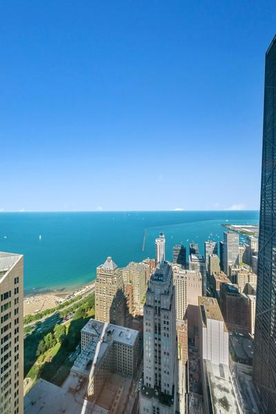 Real Estate Photography - 132 E Delaware Pl, Apt 5004, Chicago, IL, 60611 - View