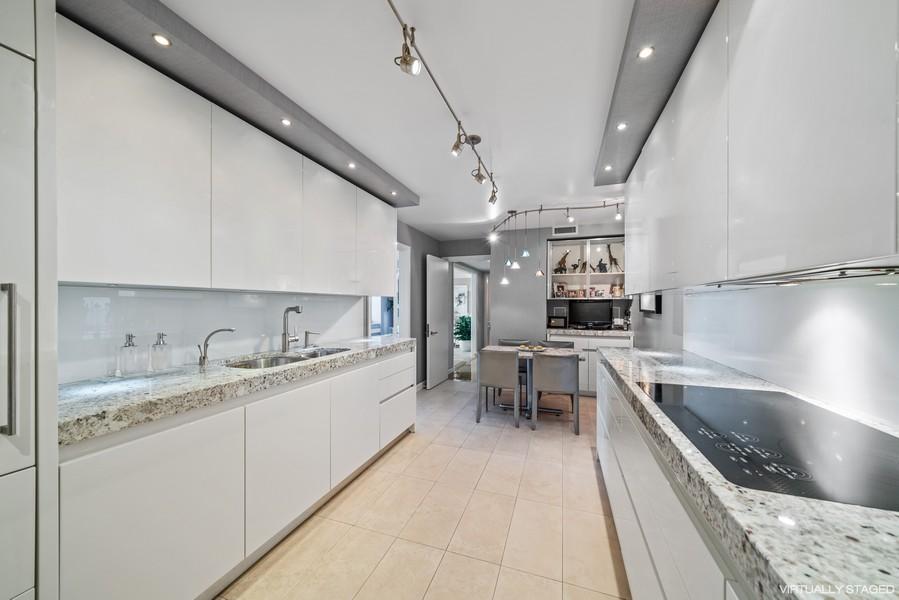 Real Estate Photography - 132 E Delaware Pl, Apt 5004, Chicago, IL, 60611 - Kitchen