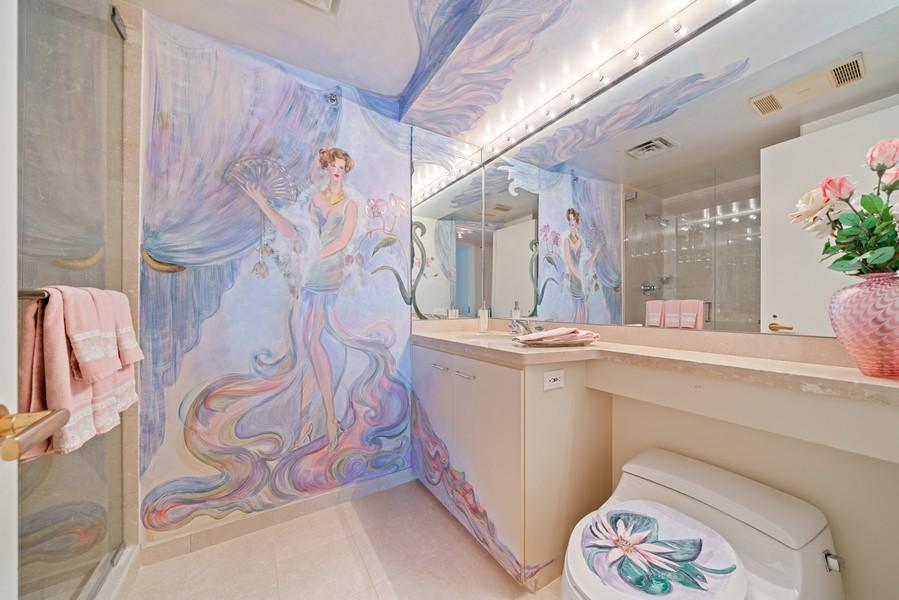 Real Estate Photography - 132 E Delaware Pl, Apt 5004, Chicago, IL, 60611 - Bathroom