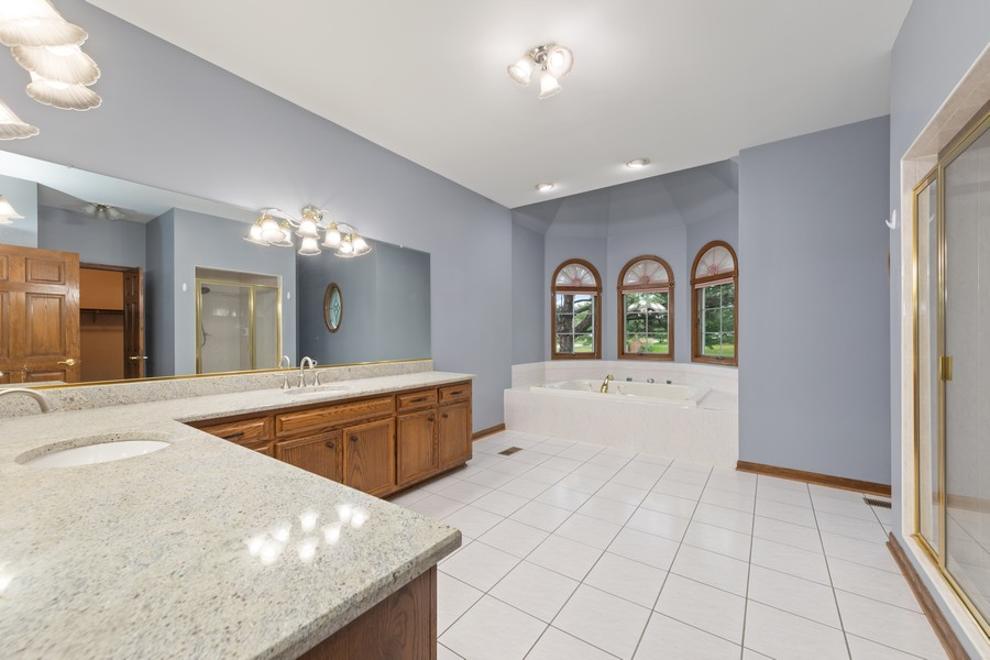 Real Estate Photography - 2272 Sable Oaks Dr, Naperville, IL, 60564 - Master Bathroom