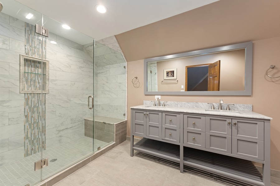 Real Estate Photography - 2272 Sable Oaks Dr, Naperville, IL, 60564 - Bathroom