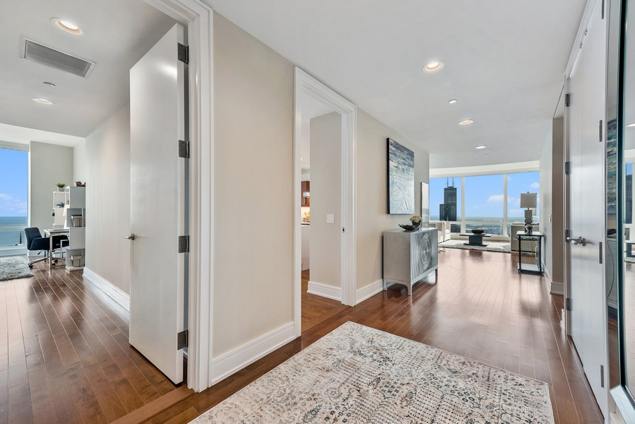 Real Estate Photography - 401 N Wabash Avenue, 83D, Chicago, IL, 60611 - Foyer