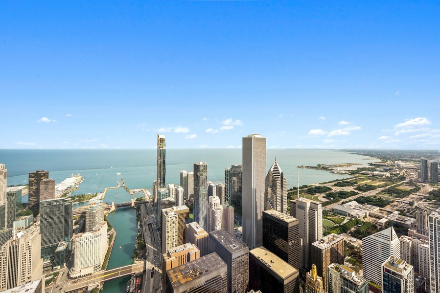 Real Estate Photography - 401 N Wabash Avenue, 83D, Chicago, IL, 60611 - Lake View