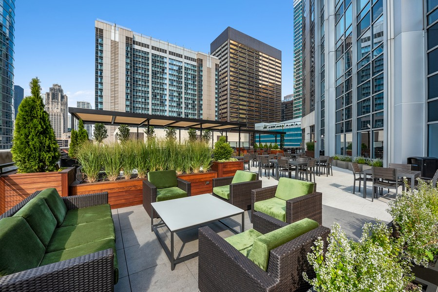 Real Estate Photography - 512 N McClurg Ct, 4505, Chicago, IL, 60611 - Common Sundeck