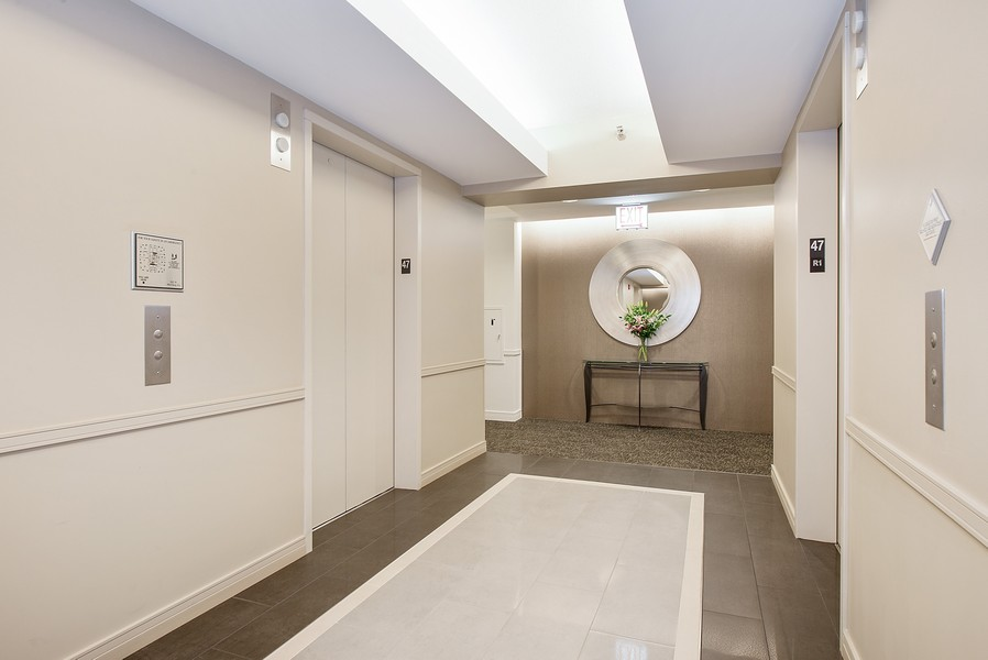 Real Estate Photography - 512 N McClurg Ct, 4505, Chicago, IL, 60611 - Common Corridors