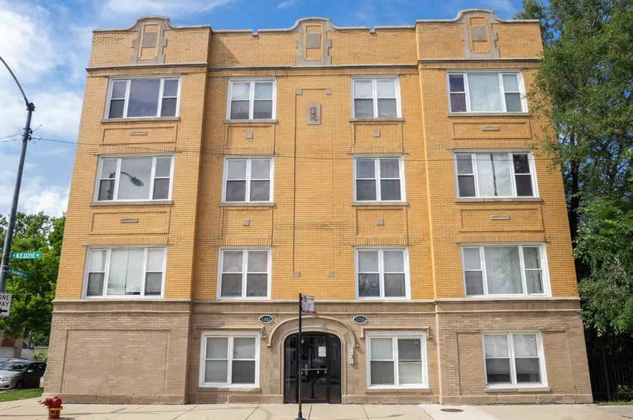 Real Estate Photography - 5300 N Kedzie, #1, Chicago, IL, 60625 - Front View