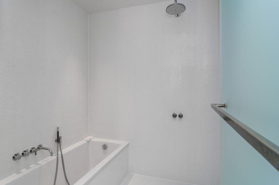 Real Estate Photography - 850 W Adams, Unit 5D, Chicago, IL, 60607 - Master Bathroom