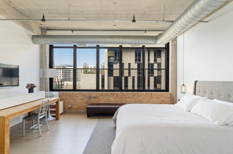 Real Estate Photography - 850 W Adams, Unit 5D, Chicago, IL, 60607 - Master Bedroom