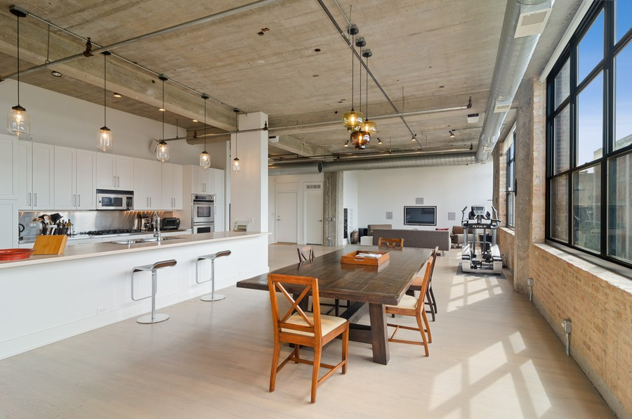 Real Estate Photography - 850 W Adams, Unit 5D, Chicago, IL, 60607 - Dining Room