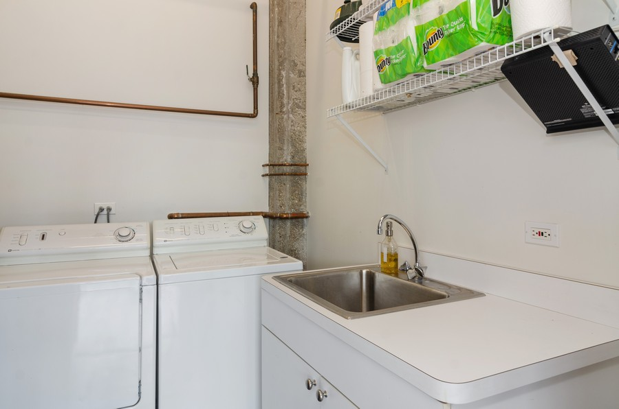 Real Estate Photography - 850 W Adams, Unit 5D, Chicago, IL, 60607 - Laundry Room