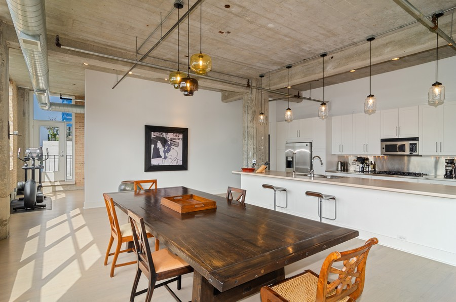 Real Estate Photography - 850 W Adams, Unit 5D, Chicago, IL, 60607 - Kitchen / Dining Room