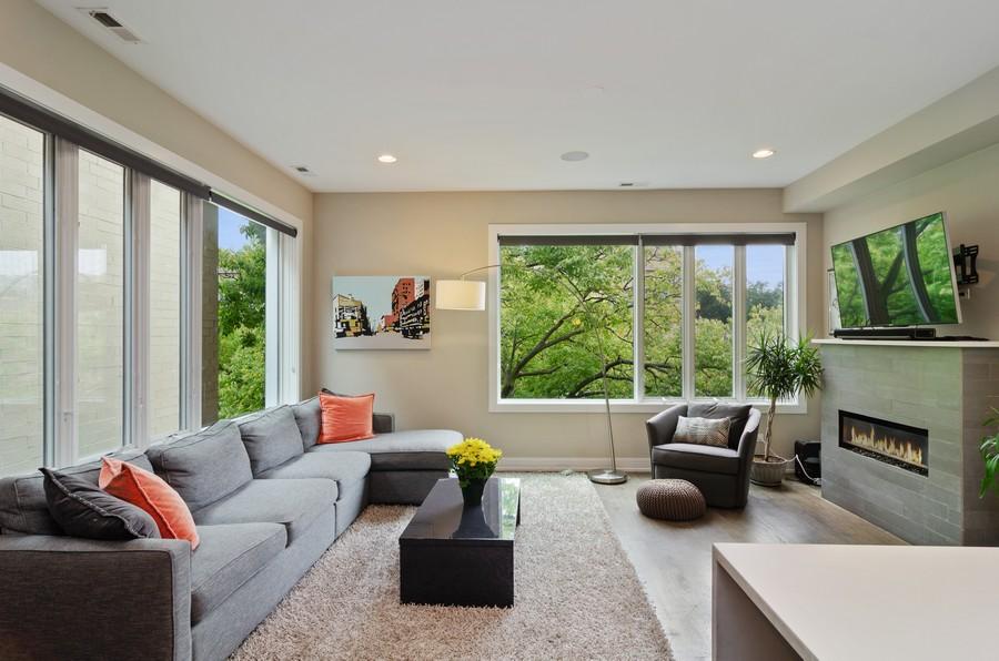 Real Estate Photography - 1425 N leavitt st, Unit 3, Chicago, IL, 60622 - Living Room
