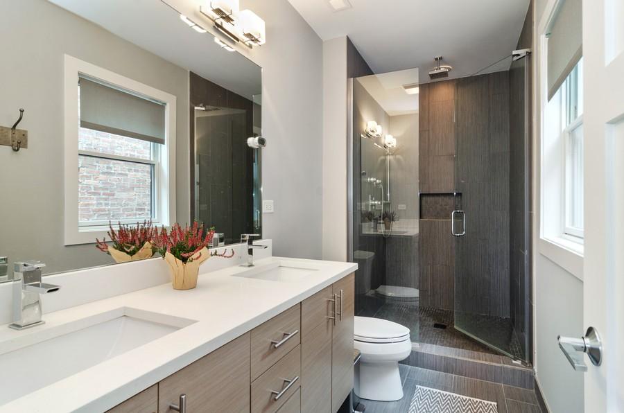 Real Estate Photography - 1425 N leavitt st, Unit 3, Chicago, IL, 60622 - Master Bathroom