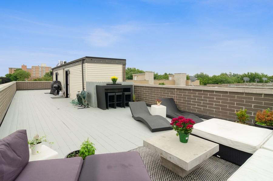 Real Estate Photography - 1425 N leavitt st, Unit 3, Chicago, IL, 60622 -