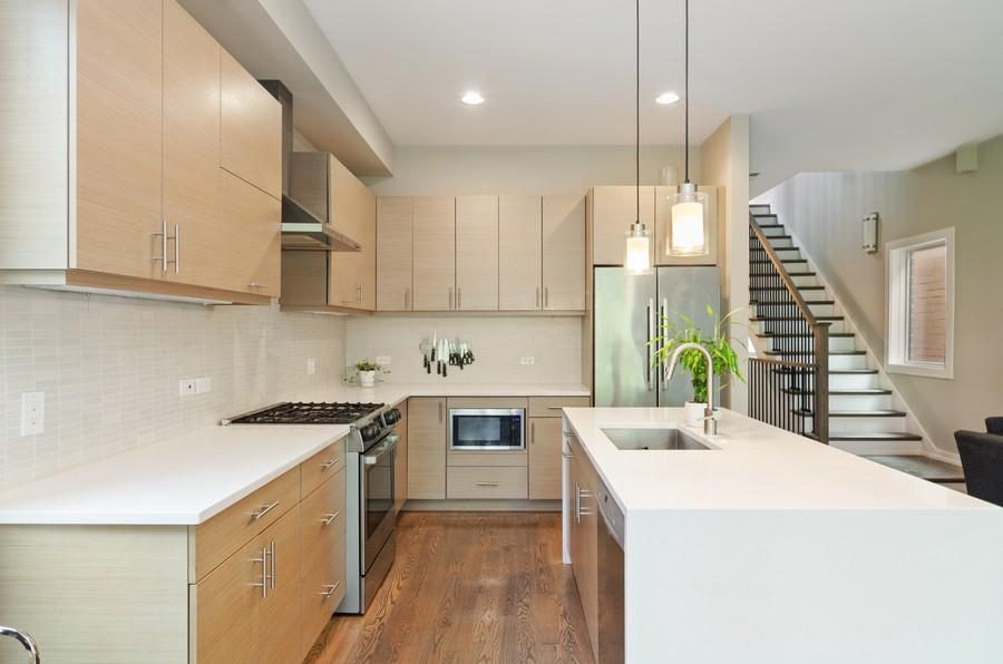 Real Estate Photography - 1425 N leavitt st, Unit 3, Chicago, IL, 60622 - Kitchen