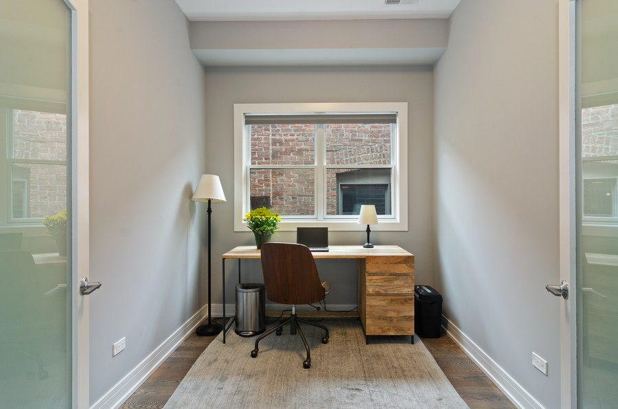 Real Estate Photography - 1425 N leavitt st, Unit 3, Chicago, IL, 60622 - Office