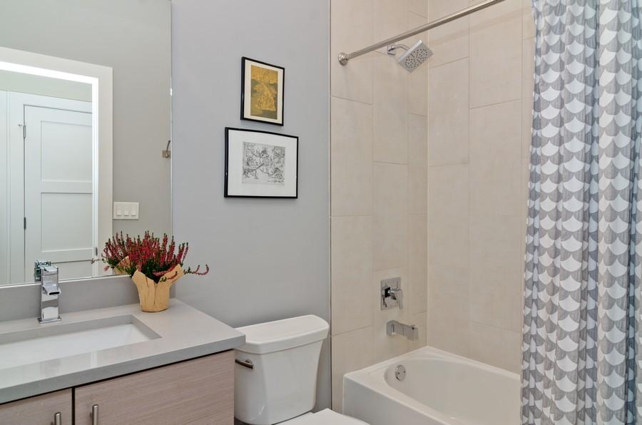 Real Estate Photography - 1425 N leavitt st, Unit 3, Chicago, IL, 60622 - Bathroom