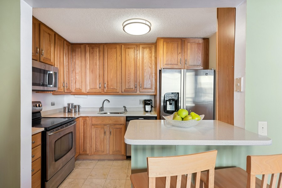 Real Estate Photography - 480 N McClurg Ct, 820, Chicago, IL, 60611 - Kitchen