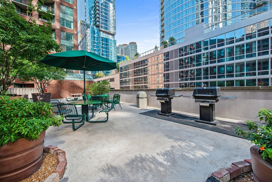 Real Estate Photography - 480 N McClurg Ct, 820, Chicago, IL, 60611 - Sundeck/Grill Area