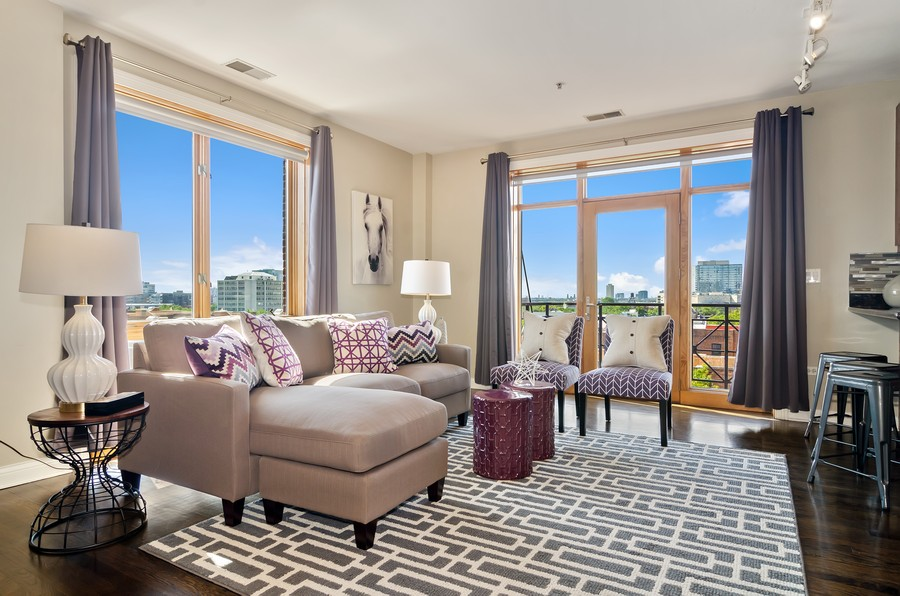 Real Estate Photography - 1444 N Orleans St, Unit 7B, Chicago, IL, 60610 - Living Room