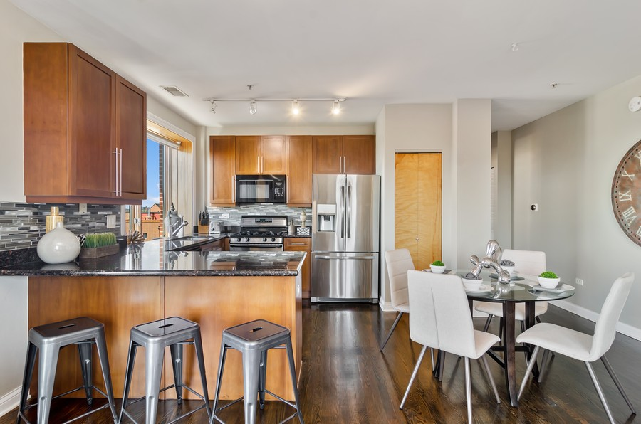 Real Estate Photography - 1444 N Orleans St, Unit 7B, Chicago, IL, 60610 - Kitchen / Dining Room