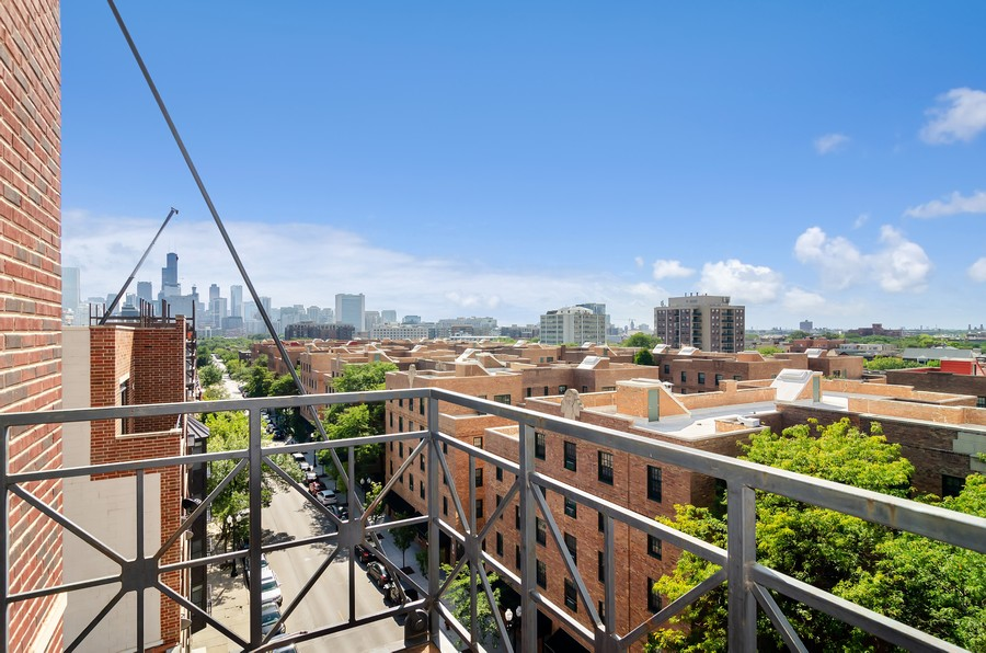 Real Estate Photography - 1444 N Orleans St, Unit 7B, Chicago, IL, 60610 - Balcony