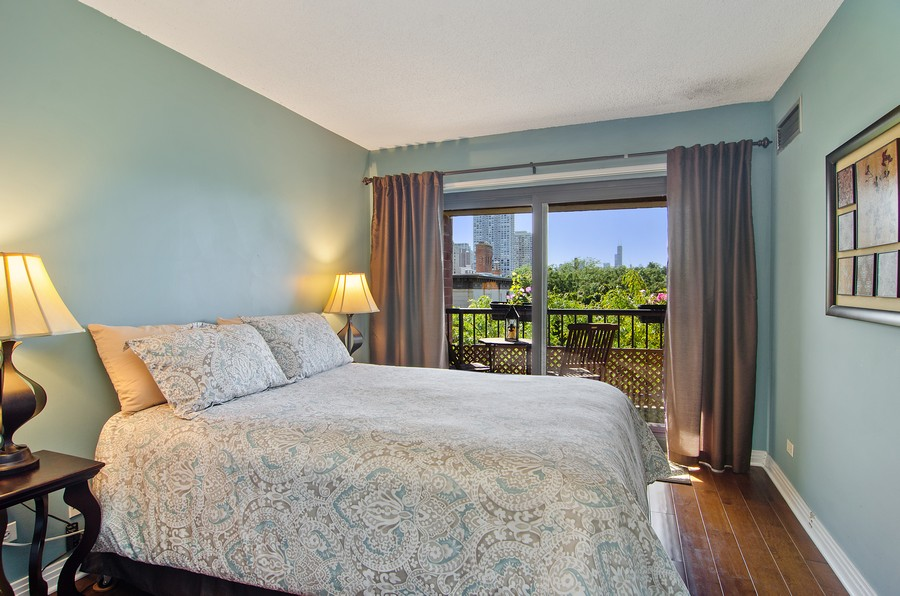 Real Estate Photography - 350 W Belden, Unit 406, Chicago, IL, 60614 - 2nd Bedroom
