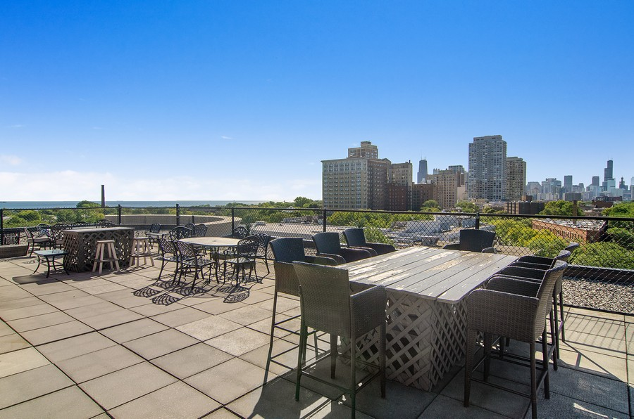 Real Estate Photography - 350 W Belden, Unit 406, Chicago, IL, 60614 - Roof Deck