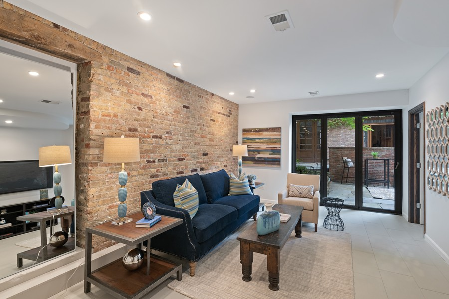 Real Estate Photography - 1234 N Dearborn St, Unit GR, Chicago, IL, 60610 - GR living room 4