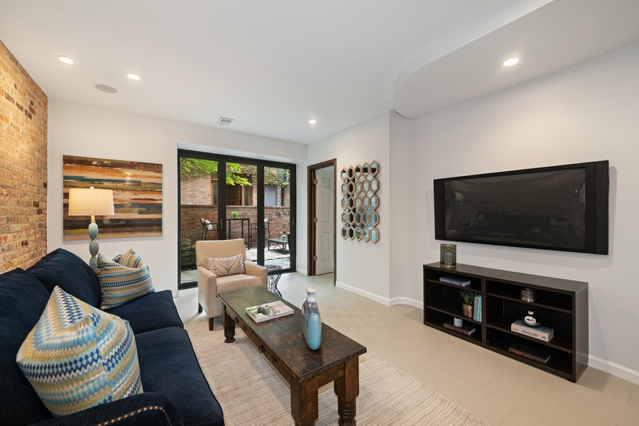 Real Estate Photography - 1234 N Dearborn St, Unit GR, Chicago, IL, 60610 - GR living room 2