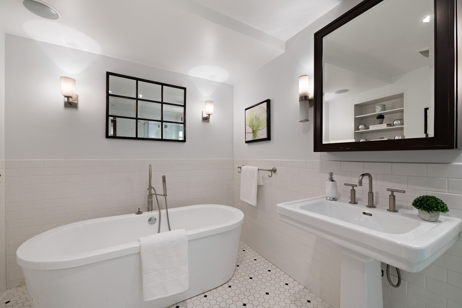 Real Estate Photography - 1234 N Dearborn St, Unit GR, Chicago, IL, 60610 - Master Bath 2